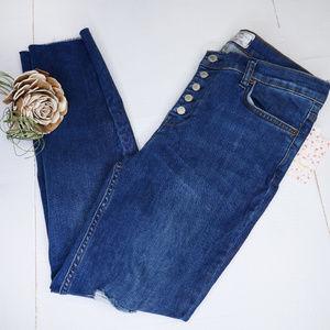 Free People | NWT distressed Reagan jeans crop